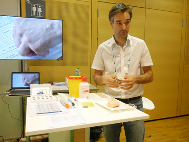 Universitätsklinik Graz: Stichprovokation mit Bienen - Im Clinical Village/EAACI Kongress 2016